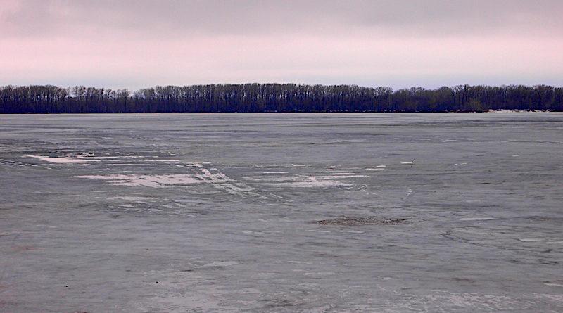 Советы по оказанию помощи провалившемуся под лед