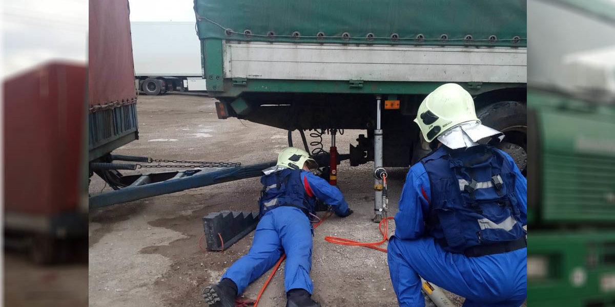 При ремонте автомобиля погиб водитель большегруза
